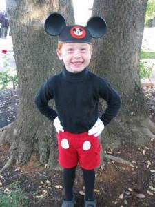 Homemade Costume Idea:  Mickey Mouse
