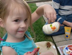 Kids Halloween Craft: No-Carve Pumpkins