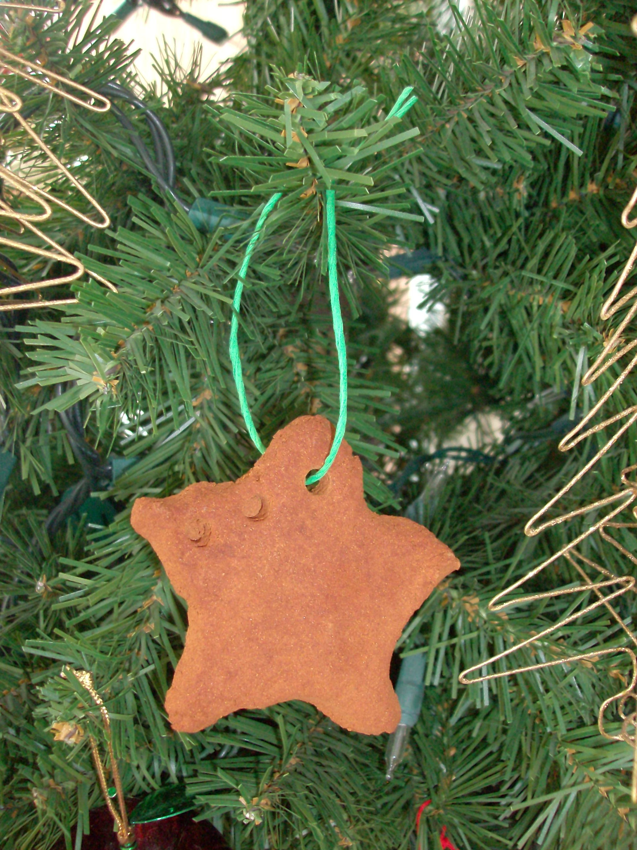 Kids Christmas Craft: Homemade Cinnamon Dough Ornaments