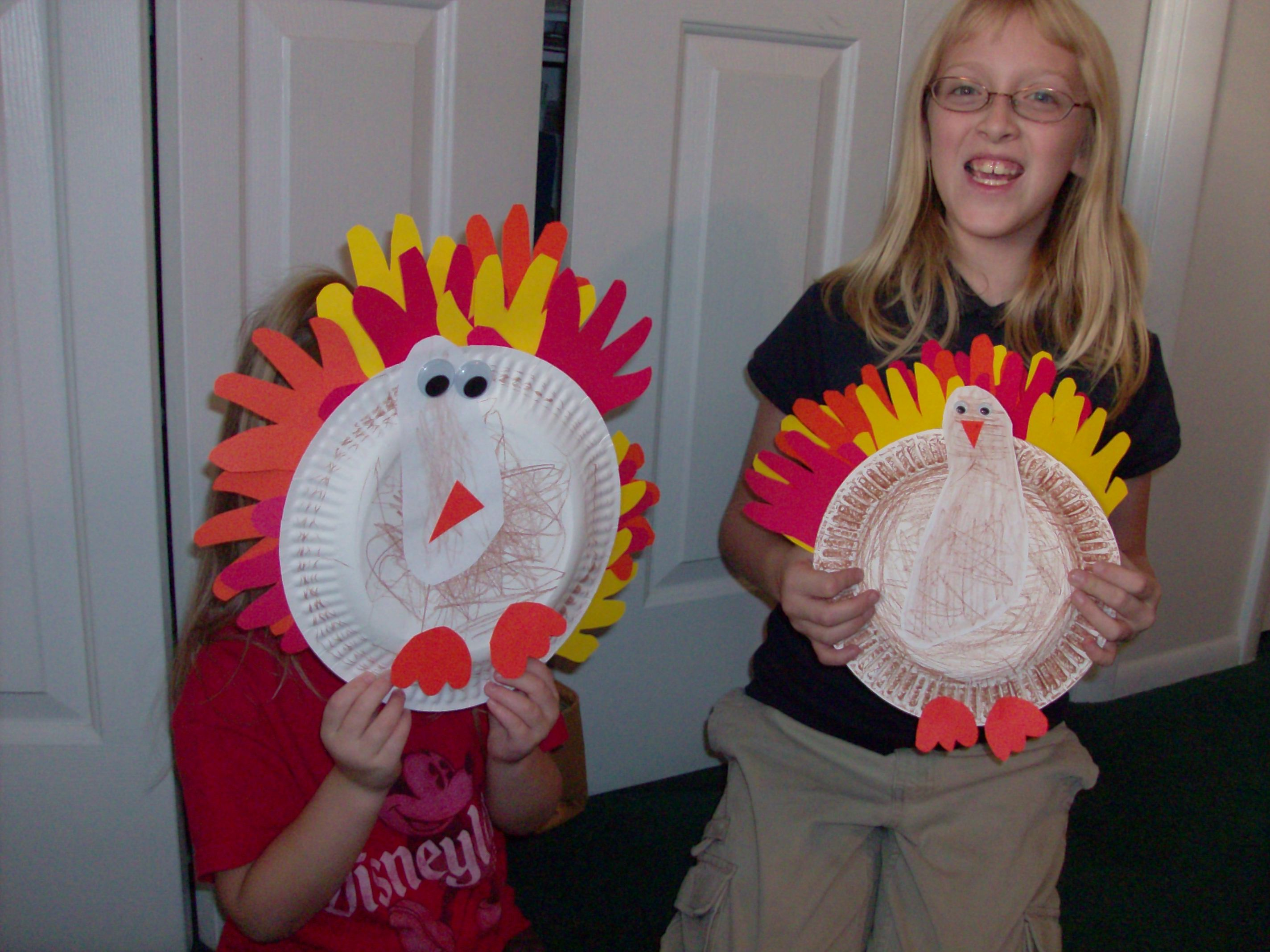 Thanksgiving Turkey Craft  sc 1 st  Mommysavers & Kidu0027s Thanksgiving Craft: Hand and Foot Print Paper Plate Turkeys ...
