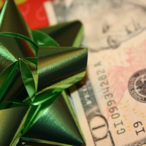 how to set a holiday budget