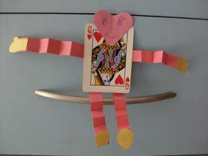 Kids Valentine's Day Crafts: Deck of Cards, Playing Card Banner and Hug Me Valentines