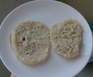 Frugal Foreigner From Scratch: Homemade English Muffins