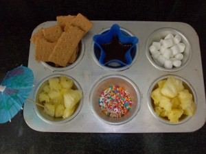 Muffin Tin Monday: Fondue Dessert Tin with Homemade Chocolate Sauce