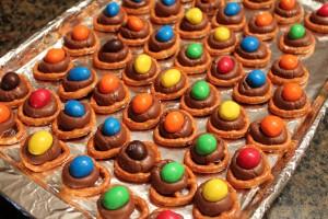 chocolate pretzel twists