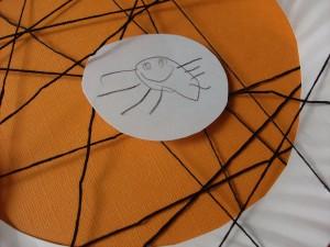 Halloween Kids Craft: Paper Plate Spider Web