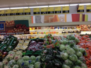 December Deals at ALDI Food Stores:  Produce, Poinsettias and MORE