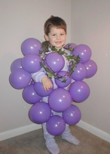 Homemade Halloween Costume Idea:  Bunch of Grapes