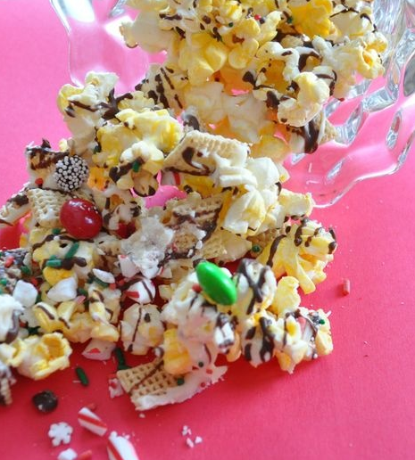 holiday popcorn crunch recipe
