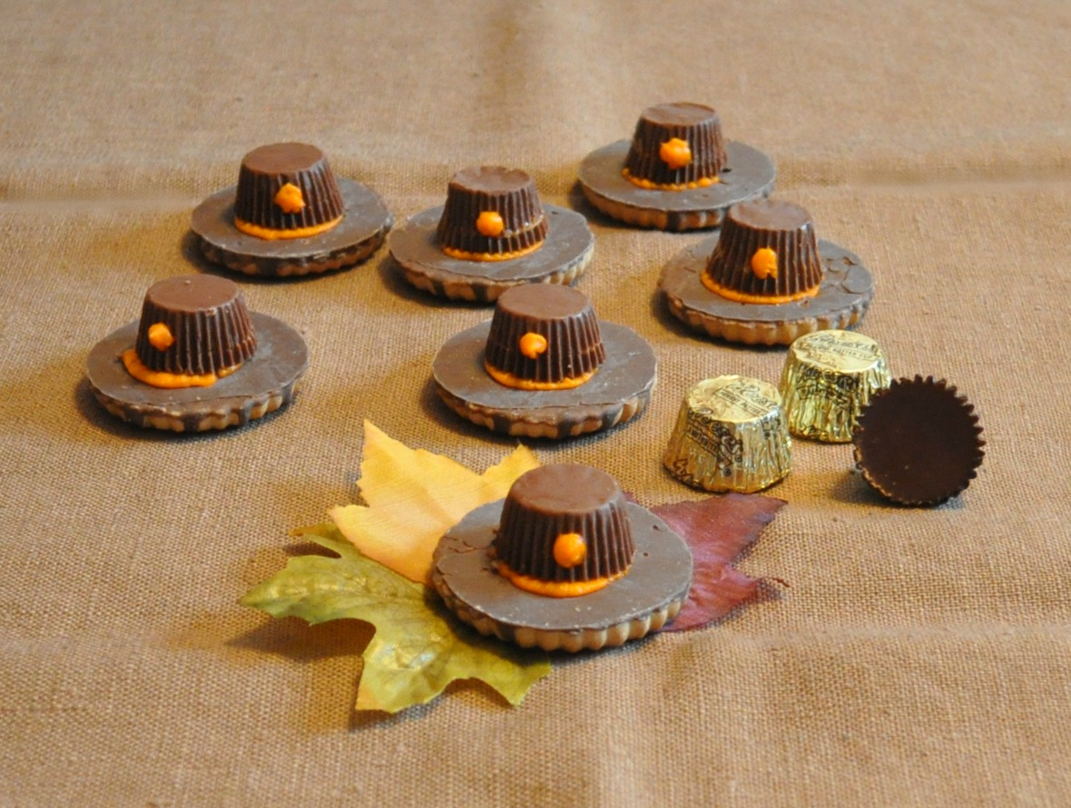 Thanksgiving Treats: Pilgrim Hat Cookies