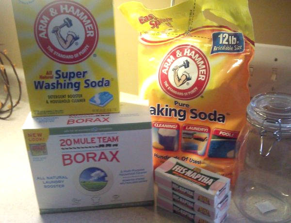10+ Homemade Laundry Cleaners