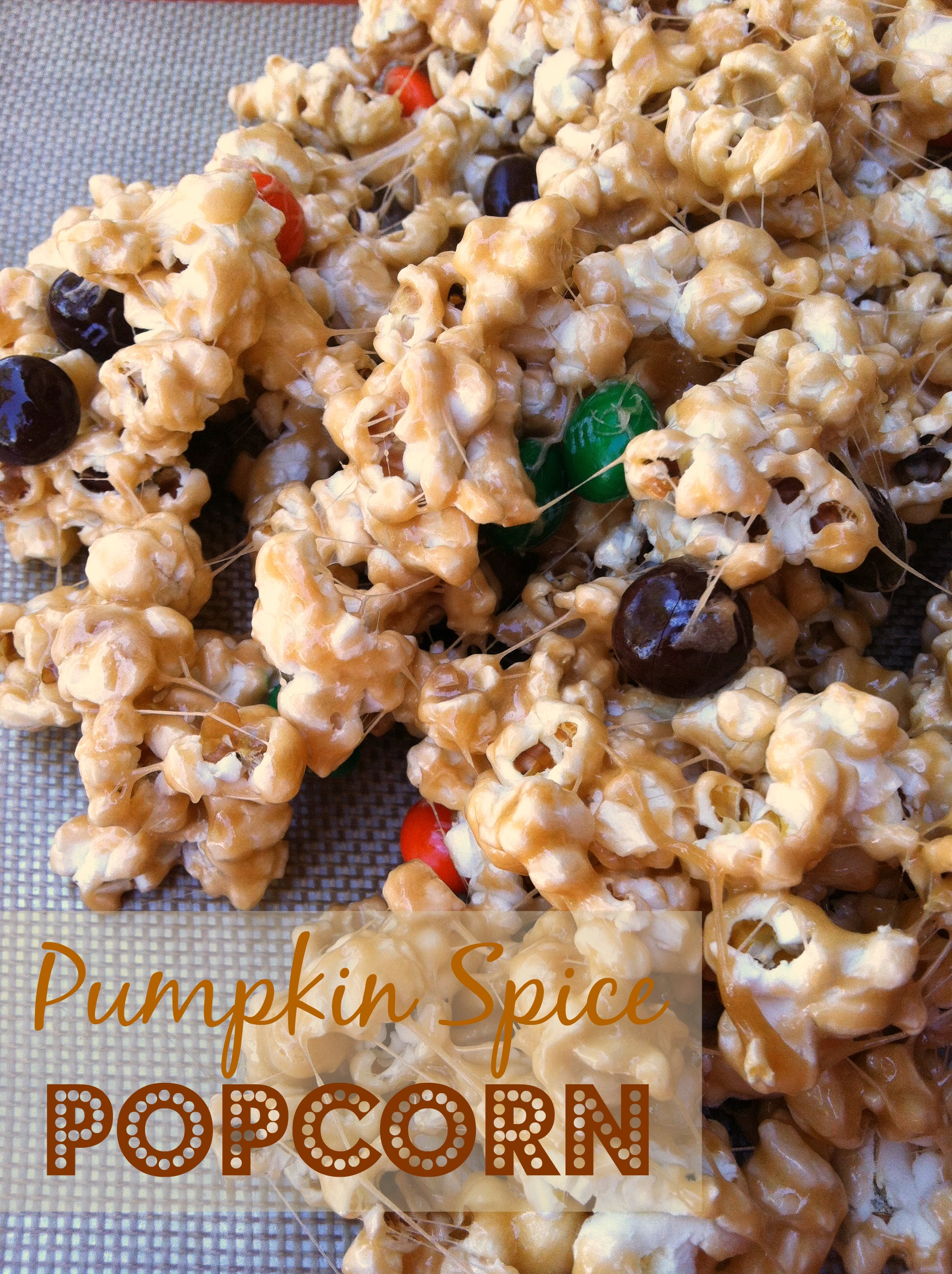 Pumpkin Spice Popcorn (Halloween Treat)