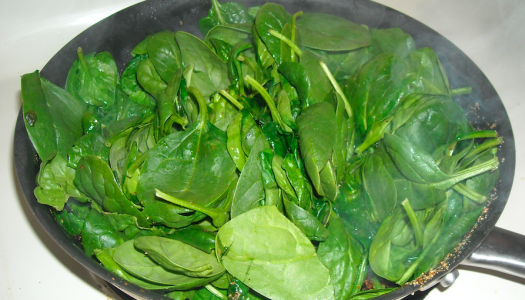 Clean Eating: Lemon Garlic Spinach (4 Ingredient – 10 Minutes)