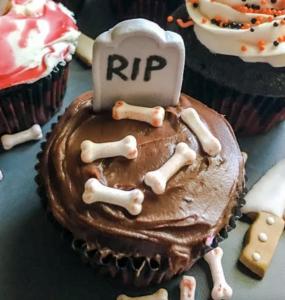 Halloween Cupcakes RIP Wilton
