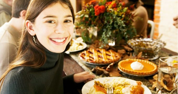 Cool Thanksgiving Family Traditions to Start This Year