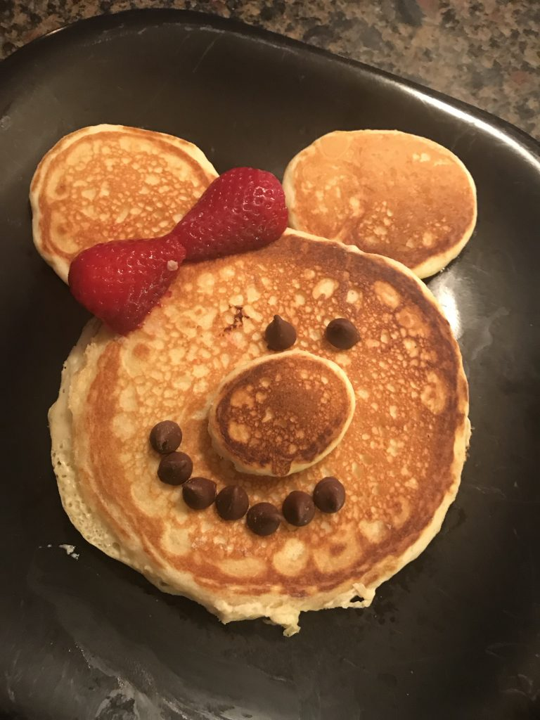 How to Make Minnie Mouse Pancakes